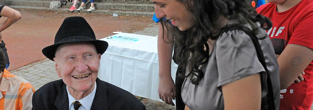 Gail S. Halvorsen beim Namensfest am 15. Juni 2013