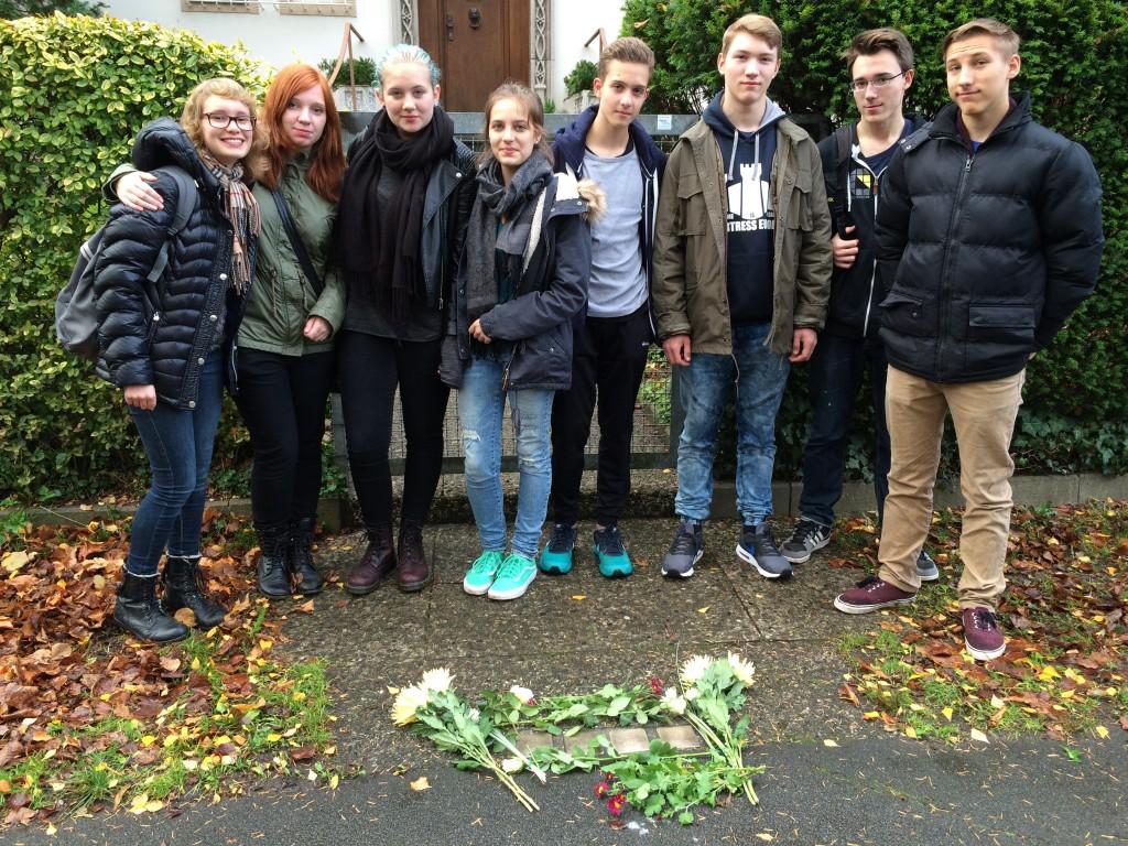 2015-11-09 Stolpersteine putzen
